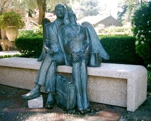 Es gibt sie doch, die engelgleichen Paare. Hier in Taormina, Sizilien