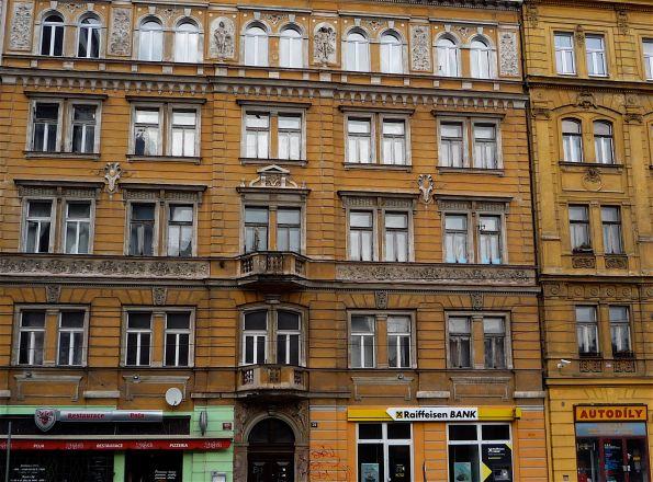 Prager Fassade 2012. Kafka ist noch vorstellbar