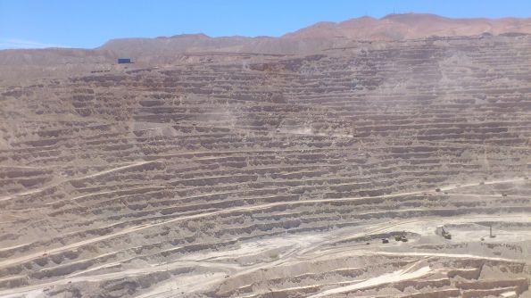 Da werden Laster zu Matchboxautos. Das Dreckloch Calama – Chuquicamata