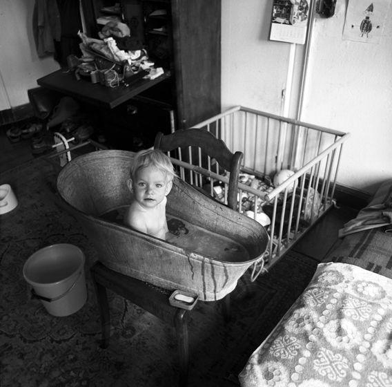Von der Wanne ins Ställchen – ein Kinderleben © Christian Brachwitz