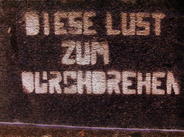 Auf der Mauer stand mit Farbe © Christian Brachwitz