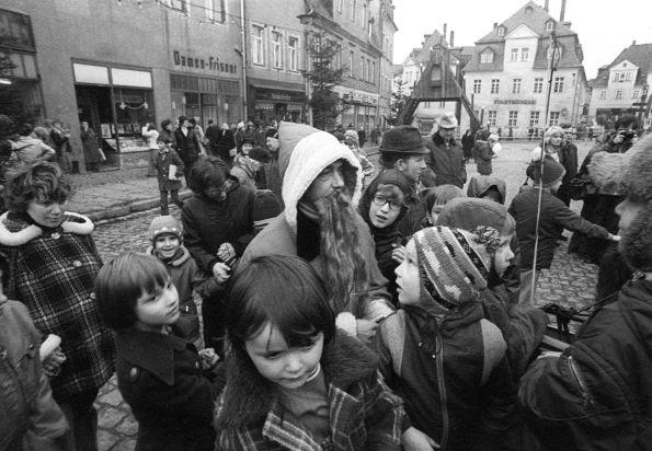 Wer glaubt noch an den Weihnachtsmann? Schneeberg im Erzgebirge 1979 © Christian Brachwitz