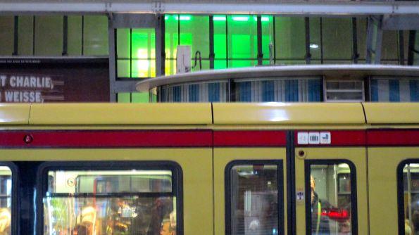 So farbig ist es im S-Bahnbereich des Nachts