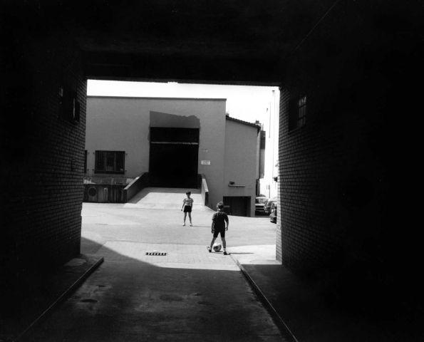 In der Sonne, vor dem Schatten, auf dem Beton © Christian Brachwitz