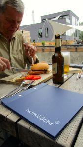Wer einen Hafen-Burger isst, wir richtig satt