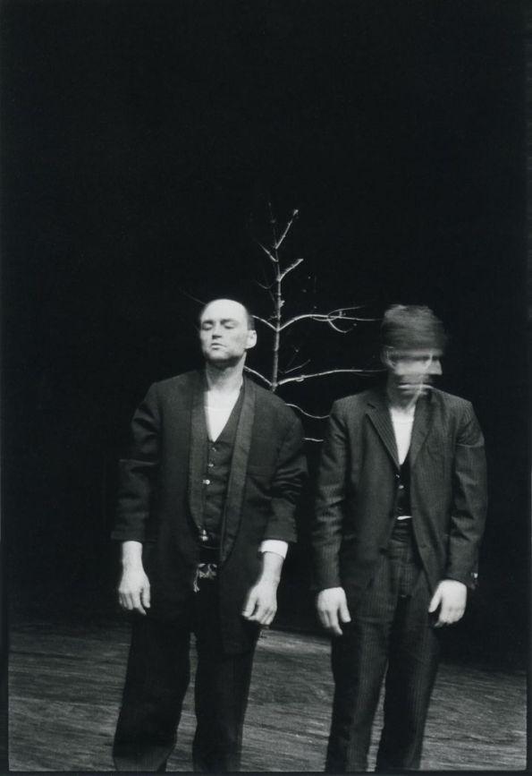 """""""Beckett zeigt nicht nihlistische Menschen, sondern die Unfähigkeit der Menschen, Nihilsiten zu sein."""" Günther Anders © Christian Brachwitz"""