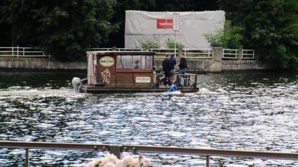 Wir gehen lieber nach Friedrichshagen und schauen auf die Wasser und Flöße des Müggelsees © Fritz-Jochen Kopka