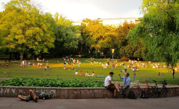 Sonnabendabend im Volkspark am Weinbergsweg